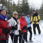 Émilie, Nancy, Marilyn, Pierrette et Michel ont participé à cette initiation au ski-raquette.