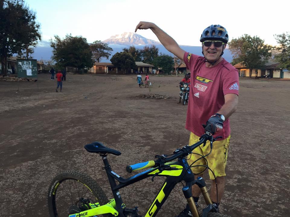 Hans Rey et le Kilimandjaro