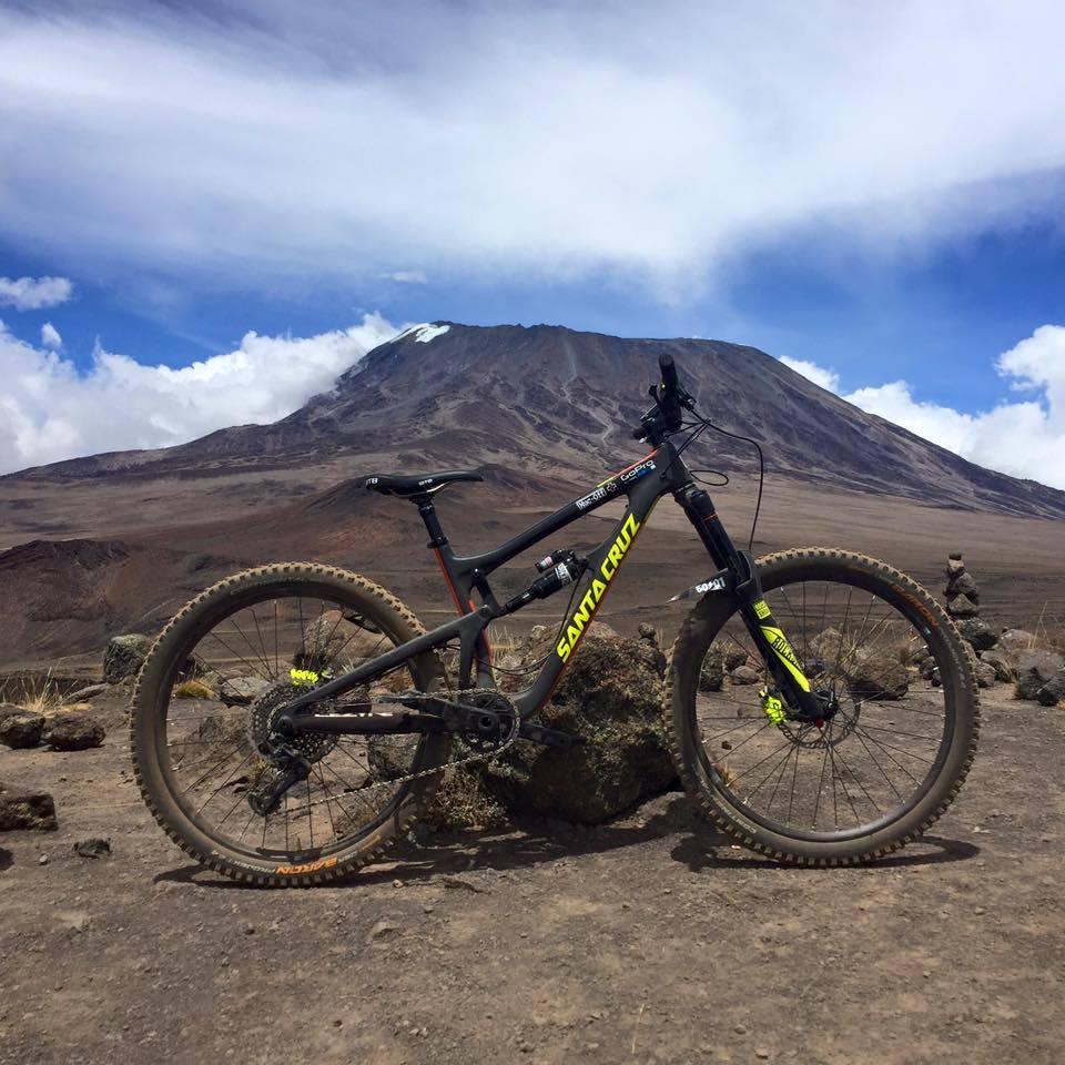 Santa Cruz de MacAskill, la monture idéale pour le Kilimandjaro!