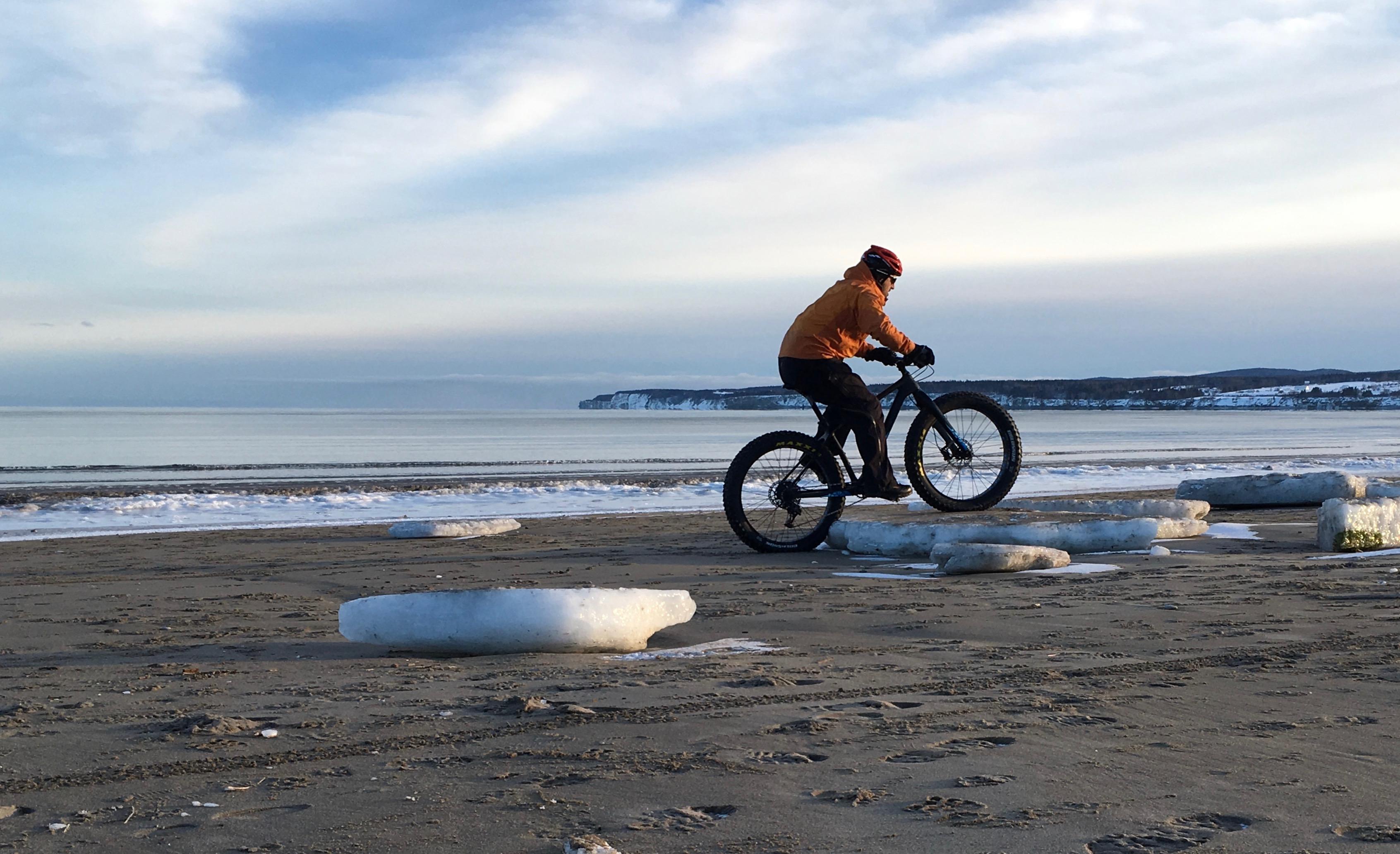 infovelo.com---fatbike-plage-gaspesie