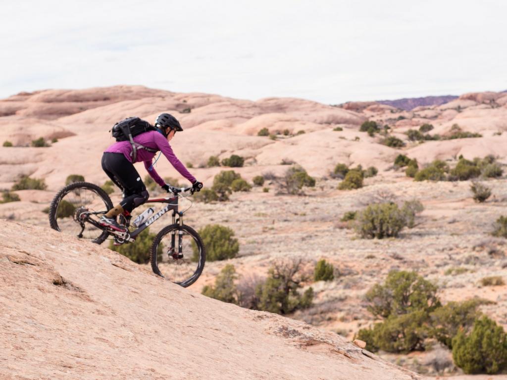 Infovelo.com---moab-vélo-de-montagne-reb sur roche